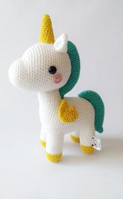 This is a Toucan - Amigurumi Oyuncak - Robin Unicorn